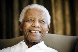 "Mandela no ha vuelto a casa, sigue en el hospital, ""en estado crítico pero estable"""