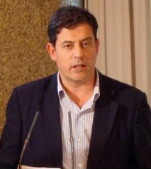 Besteiro anuncia que suspende de militancia aos 5 concelleiros socialistas de Ourense enfrontados ao alcalde