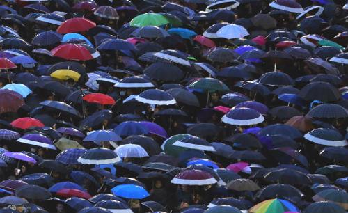 A Metro confirma que fará o remake de 'Cantando bajo la lluvia' en Galicia