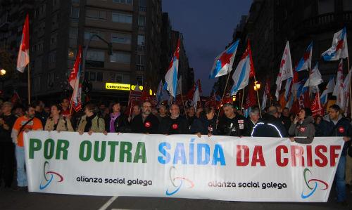 Milleiros de personas saen á rúa en Vigo para esixir 'outra saída da crise'