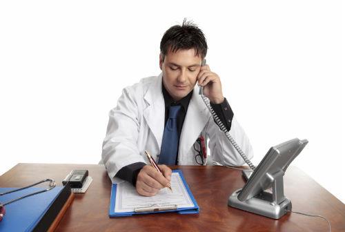 A atención telefónica dos profesionais médicos amplíase a partir do 10 de marzo