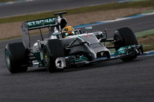 Doblete de Mercedes en Malasia con Alonso cuarto… y gracias