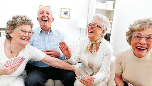 Reírse estimula la memoria en la vejez