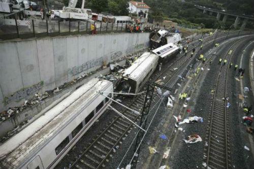 Víctimas de Angrois denunciarán a España por incumplir la norma ferroviaria europea