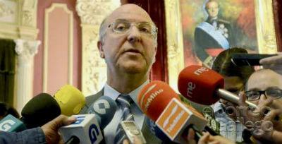 O goberno local de Ourense de 2009, formado por 11 concelleiros de PSOE e BNG, imputado
