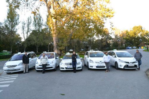 Bajada de bandera cuando el taxi llegue a tu casa y una App a tu servicio, en Vigo, con el servicio 986 132 22 22