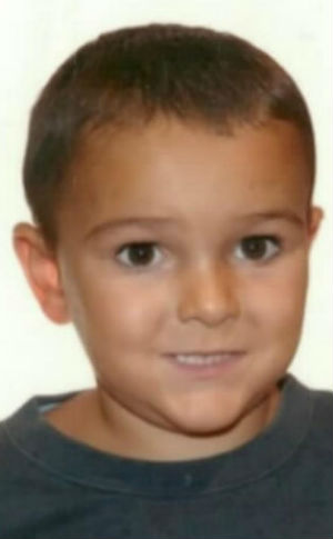 Alerta de la Interpol, se busca un niño que corre peligro por su estado de salud