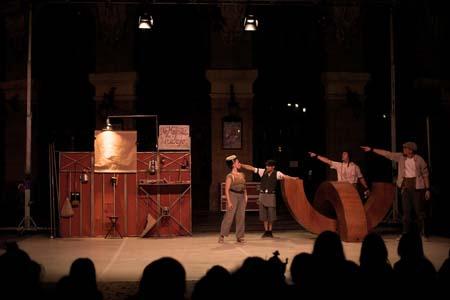 Llega a Vigo la obra circense ´Do not disturb. No molestar`
