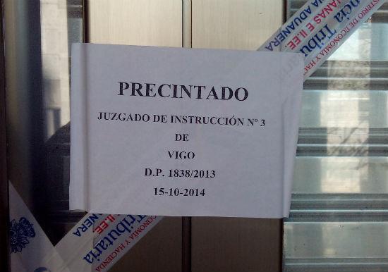Comerciantes de A Pedra, que no han sido juzgados , piden que les dejen volver a abrir sus negocios,cerrados hace 72 días