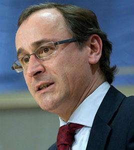 El ministro de Sanidad anuncia que revisará el copago de los medicamentos hospitalarios
