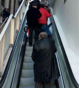 Las escaleras mecánicas del centro, en marcha tras una revisión
