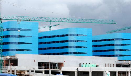Feijóo anuncia unha invesión de 19,9 millóns para integrar e renovar os laboratorios clínicos de Vigo