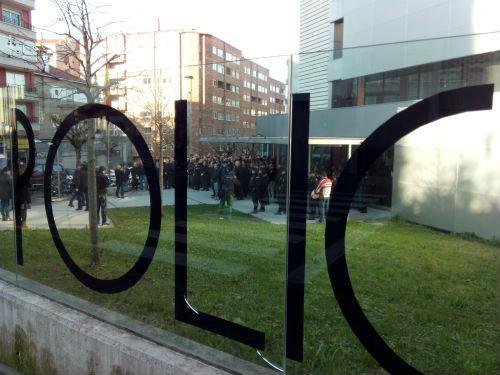 A Fiscalía investiga o número de chalecos antibalas da Comisaría de Vigo e si foron entregados ás axentes