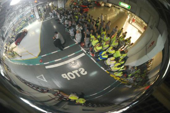Concello e Zona Franca asinan un convenio para ceder 50.000 metros cadrados máis a Citroën