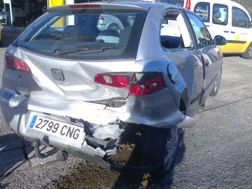 Dos personas heridas en un accidente de tráfico en la N-120 a su paso por Ponteareas
