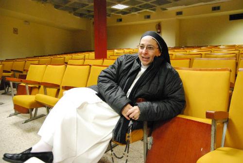 Sor Lucía Caram, este viernes, contestando a las preguntas de vigoalminuto/Tresyuno Comunicación