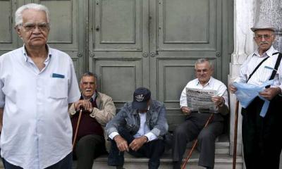 1.000 oficinas bancarias griegas abren mañana para que los jubilados puedan retirar un máximo de 120 €