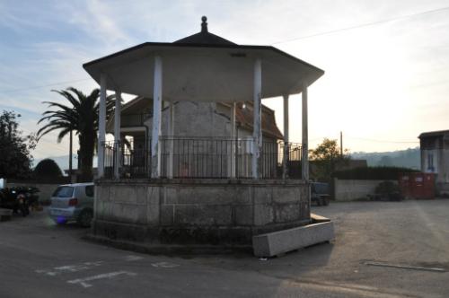 Palco da música en San Cibrán de Ribarteme, en As Neves/ Foto: Xosé Ceferino Castro