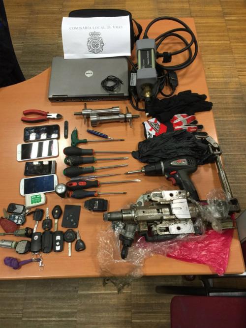 La Policía Nacional de Vigo desarticula una organización criminal especializada en el robo y el tráfico ilícito de vehículos