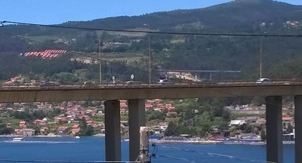 Un accidente y la salida a las playas causa retenciones kilométricas en Rande