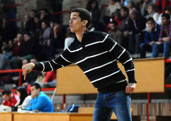 Sergio González continuará como adestrador do Club Baloncesto Seis do Nadal na súa primeira tempada na Liga EBA