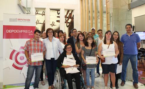 A @depo_es entrega os diplomas a 30 participantes en 'Depoemprega'
