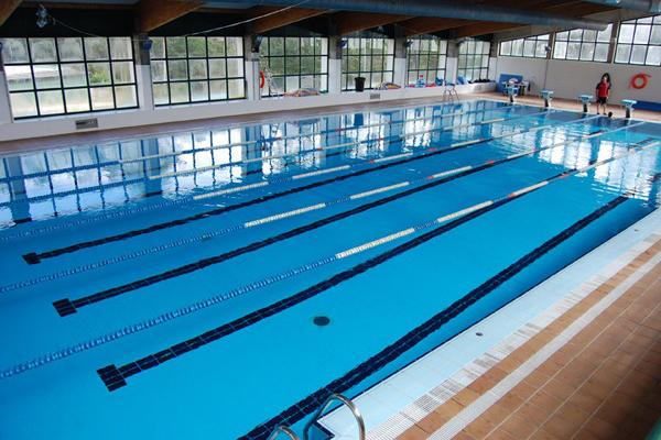 Depo es achega euros para melloras na piscina for Piscina municipal vigo