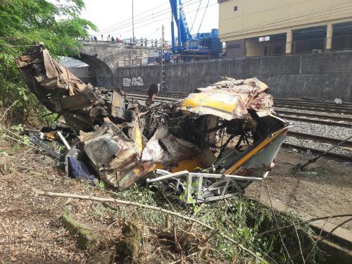Los restos del tren seguirán en la estación hasta que lo decida la juez