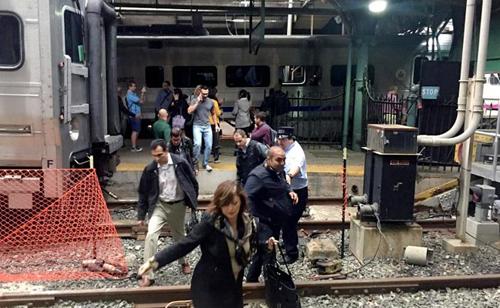 Más de un centenar de heridos en un accidente de tren en la estación de Nueva Jersey