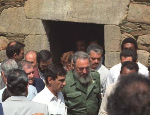 Fidel en la casa natal de su padre, en el concello lucense de Láncara