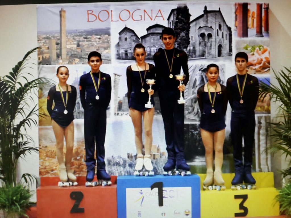 Alba Lishi Alonso y Albino Estévez, de Club Patinaxe Covelo, Medalla de bronce en su categoría en el Campeonato de Europa de Calderada di Reno, en Italia