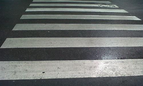 paso-peatones-lluvioso