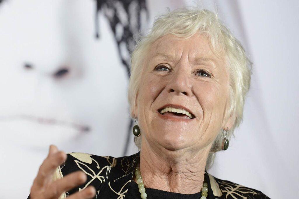 Muere la actriz Barbara Tarbuck, conocida por sus papeles en 'Hospital General' o 'American Horror Story'
