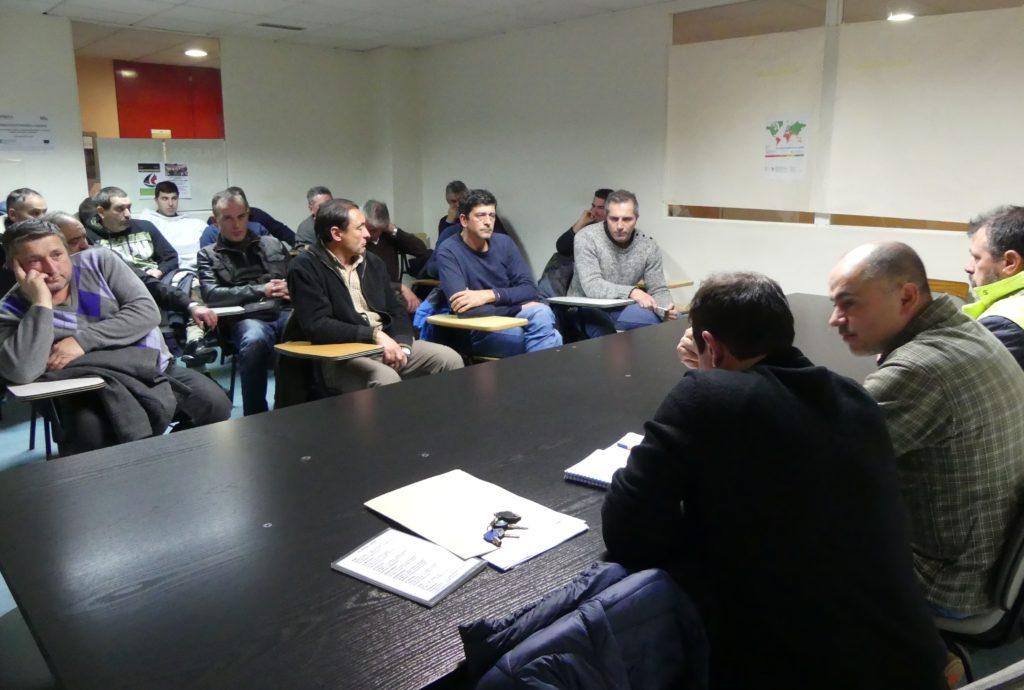 Os traballadores da concesionaria do alumeado público de Vigo, en folga indefinida dende o 8 de febreiro