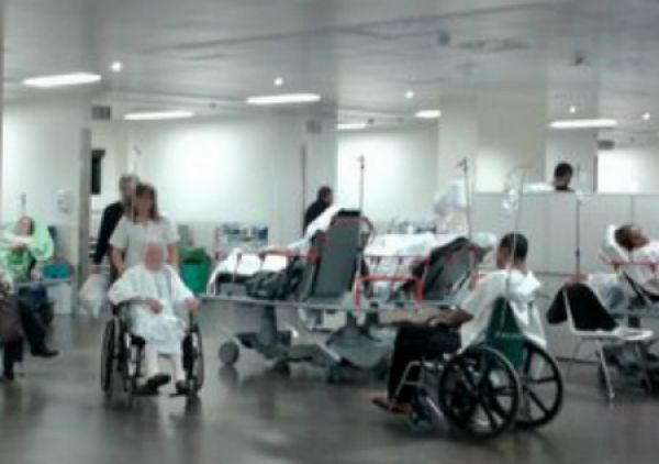 """O domingo atendéronse 474 persoas en Urxencias do Cunqueiro, """"a cifra máis alta dende a apertura do hospital"""""""