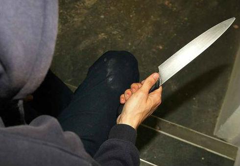 Detenido tras robar con un cuchillo de grandes dimensiones en una tienda de ropa de Urzáiz
