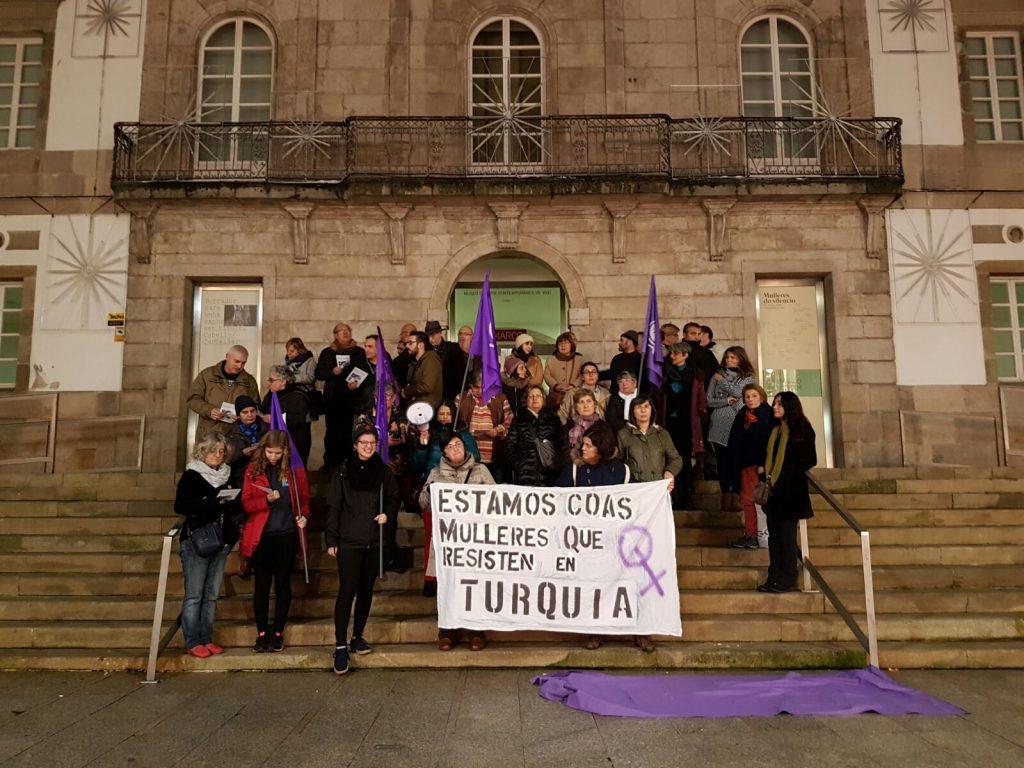 A Marcha Mundial de Mulleres lembra en Vigo ás tres kurdas asasinadas hai catro anos en París