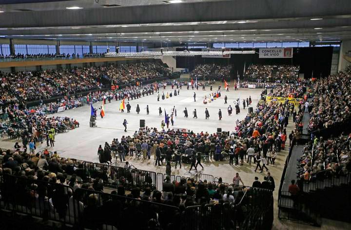 Más de 10.000 personas abarrotan Ifevi para asistir al Certamen de Rondallas de Vigo