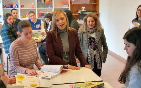 @elenamunozf afirma que @abelcaballero priva a 6.000 estudiantes de Vigo de viajes metropolitanos gratuitos