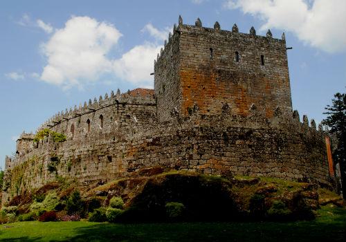 @depo_es pecha os castelos de Soutomaior e Sobroso ante o temporal de choiva e vento que se achega a Galicia