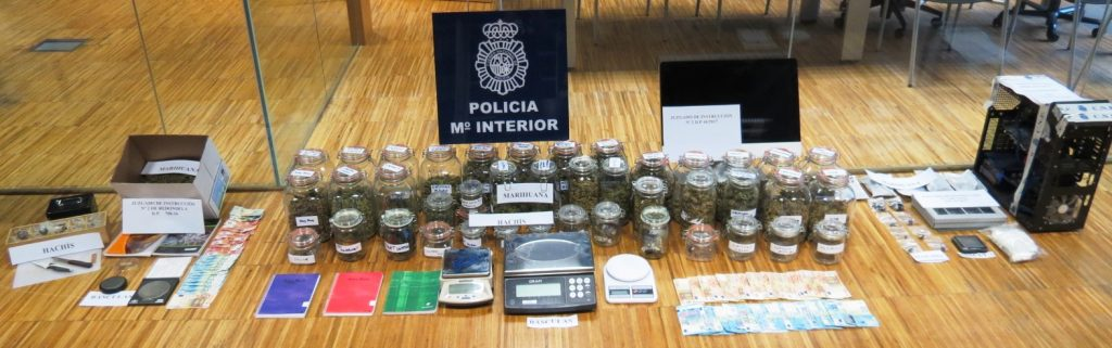 Detenidas en Vigo 10 personas vinculadas a 'asociaciones cannabicas' e incautados 3,7 kilos de 'maría' y 1,2 de hachís