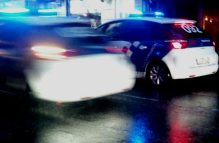 Agentes de la Policía Local denuncias a una conductora que había bebido y a otros tres que no pasaron el test de drogas