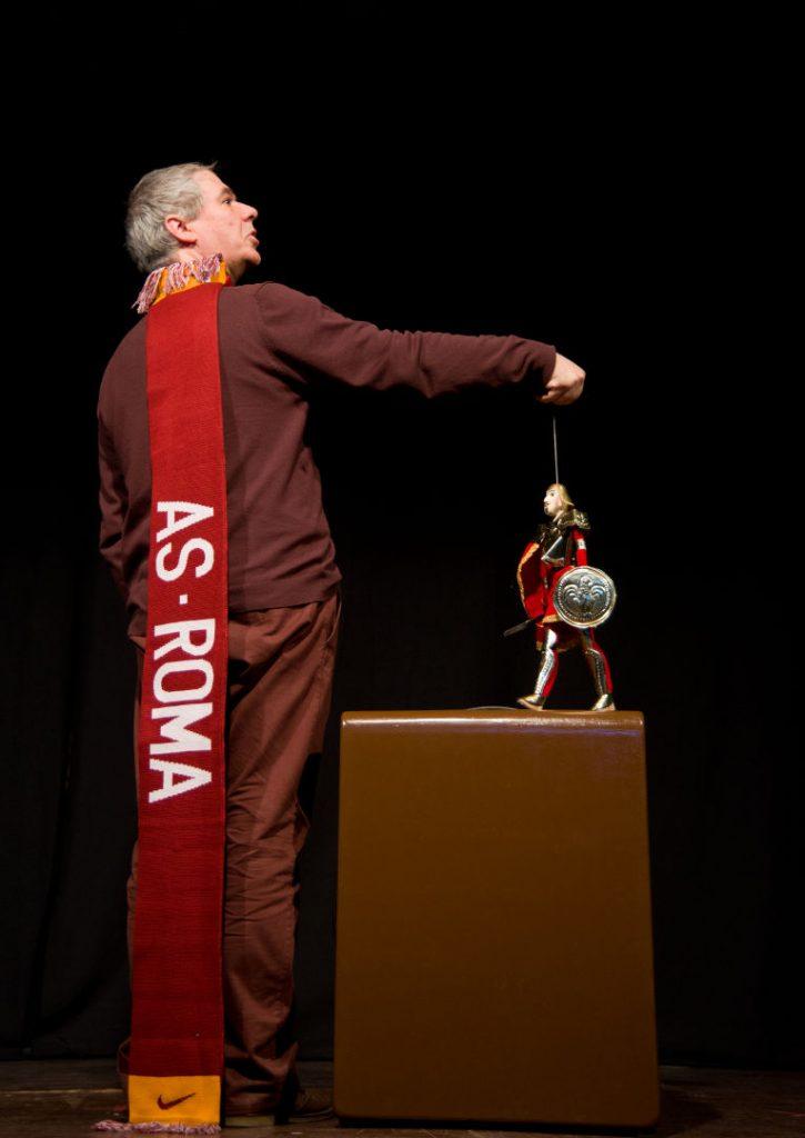 Artello presenta en Vigo, este venres, día 10, 'Non toques os meus círculos'