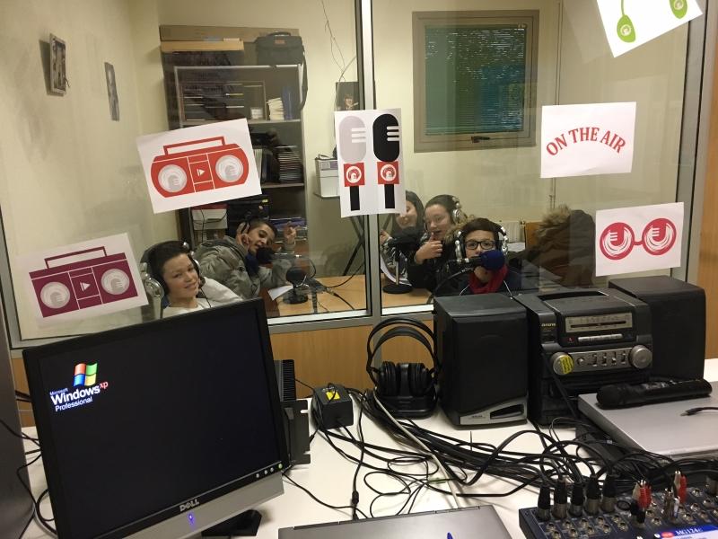 Programa especial no IES Terra de Turonio, de Gondomar, polo 'Día Mundial da Radio'