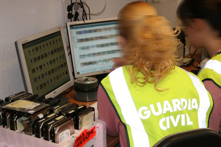 Macrooperación contra la pederastia: 102 detenidos en 38 provincias, entre ellas Pontevedra y A Coruña