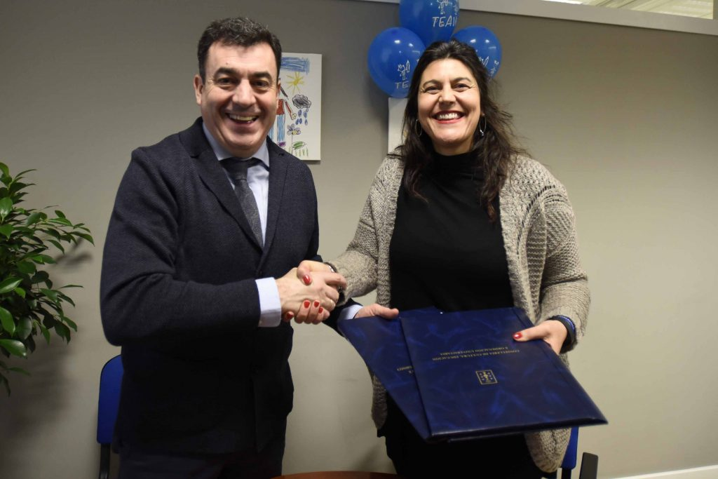 Educación e a Asociación TEAVi, de Vigo, colaboran na atención do alumnado con autismo