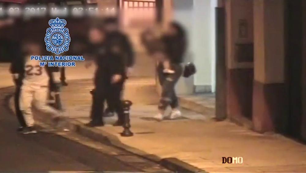 Agentes de @policia de Lugo detienen a un sujeto que estaba agrediendo a su ex pareja