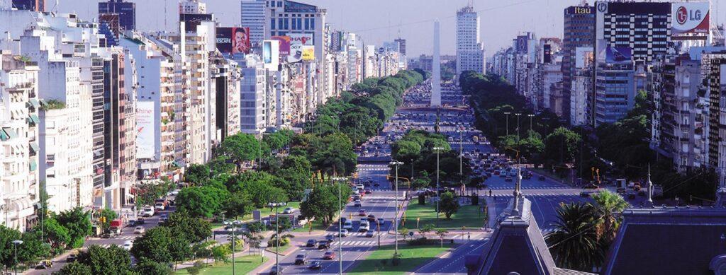 Aumenta en preto de 8.000, en so un ano, o número de galegos que viven no estranxeiro
