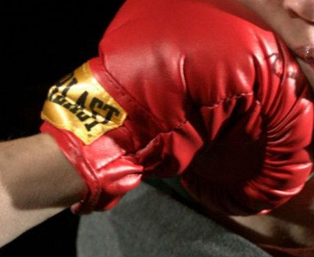 Buscan al agresor de una jueza de la velada de boxeo que se celebraba en el Pabellón de Bouzas