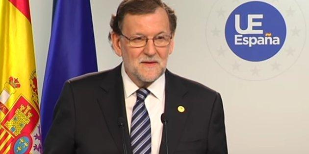 """Rajoy responde """"no, hombre no"""" a un periodista de la BBC cuando le pide que responda a su pregunta en inglés"""